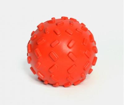 Мячик с отверстием для лакомств, красный | 7 см