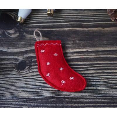 """Игрушка для кошки """"Носочек для подарков красный """" с кошачьей мятой"""
