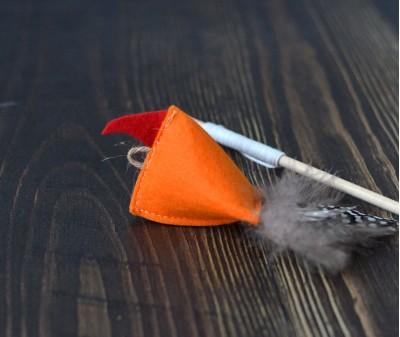 """Игрушка  """"Птичка оранжевая"""" с кошачьей мятой"""
