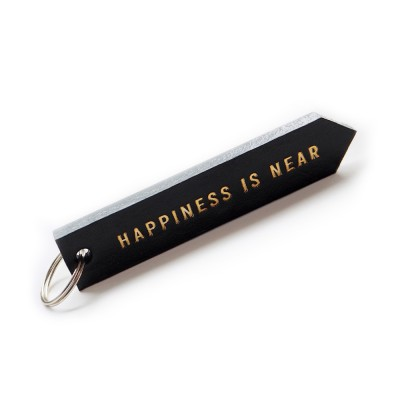 "Брелок для ключей ""HAPPINES IS NEAR""   | серый"
