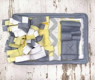 Нюхательный коврик MINIK серо-желт, мод 1| 28*18 см
