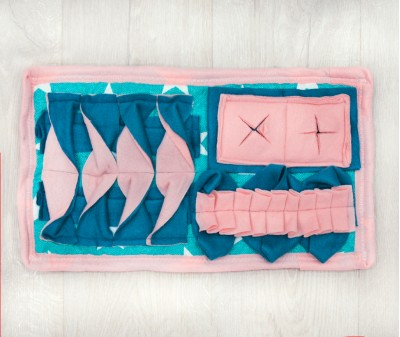 Нюхательный коврик MINIK 46*26 / розовый, мод. 1