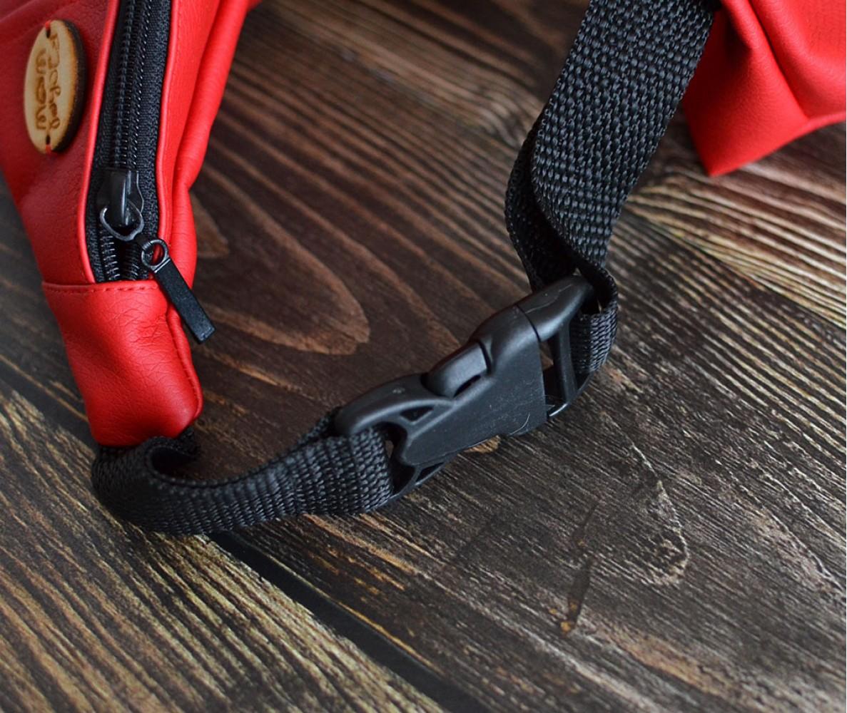 Сумка на пояс BANANA-DOG для прогулок | красная